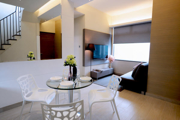 The Grand Blossom Serviced Apartments is located in Hung Hom with high proximity to the Kowloon city centre. We offer 2-bedroom and 3-bedroom apartments with kitchenette, housekeeping and laundry serv