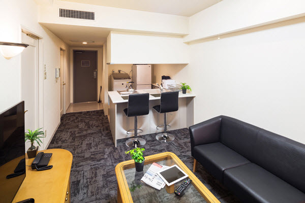 With more reasonable pricing thanks to its location just outside the city center, this residence offers more spacious accommodations.  This  one-bedroom serviced apartment is 45 sq.m ,  and can sleep
